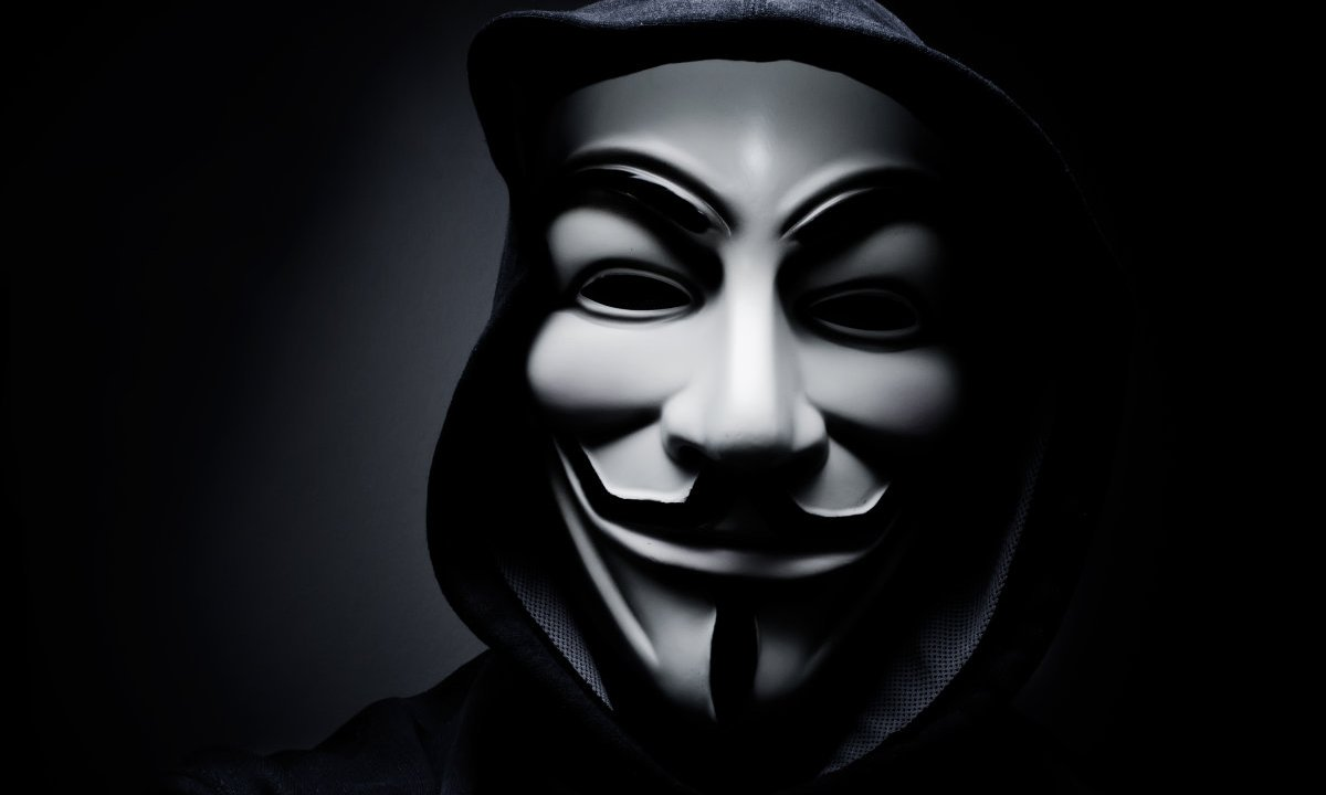Anonymous amenaza con destruir a Rajoy